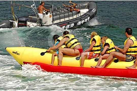 gruppe auf banana boot mallorca