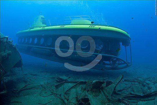 Entdecke die Unterwasserwelt vom U-Boot aus