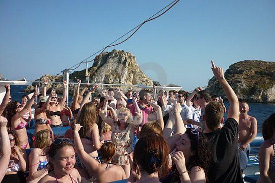 Feiern auf dem Boot in Mallorca