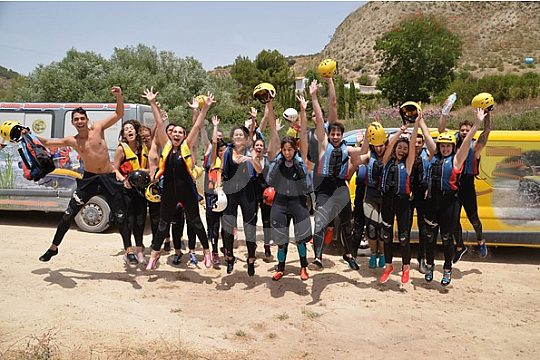 Gruppe beim Rafting in Andalusien
