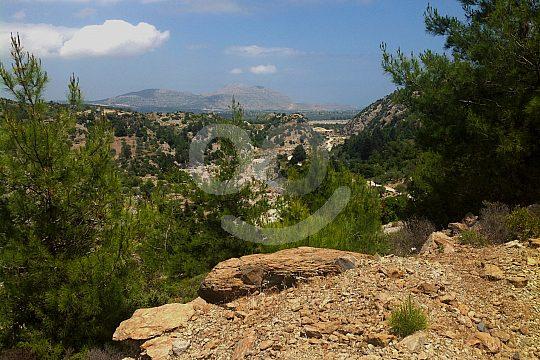 Blick auf Gebirgslandschaft von Rhodos
