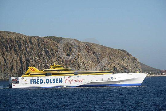 Überfahrt im Katamaran bei Tagestour nach Teneriffa