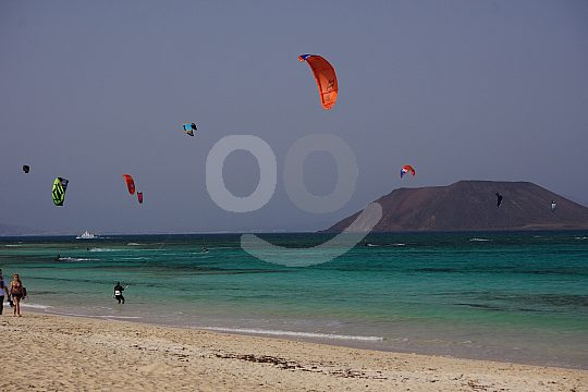 Am Strand Flag Beach Kitesurfen lernen