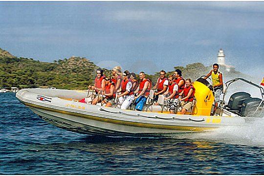 Mit dem Speedboot im Norden Mallorcas