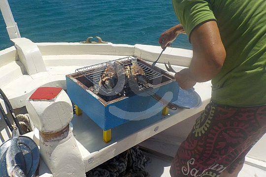 Mittagessen an Bord in Griechenland