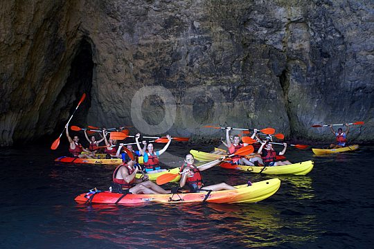Formentera Höhlen mit dem Kayak erkunden