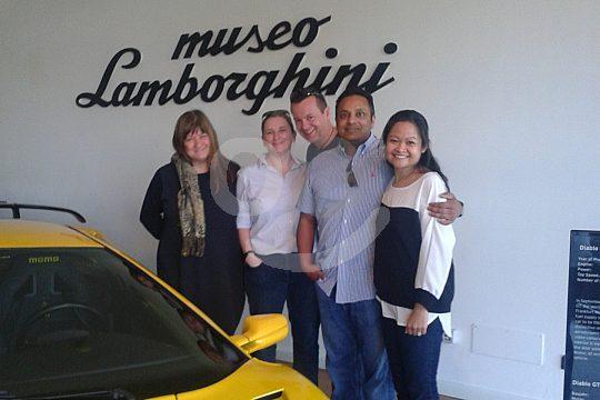 Besucher im Lamborghini Museum