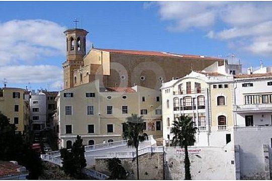 Stadtbesichtigung Mahon bei der Inseltour auf Menorca