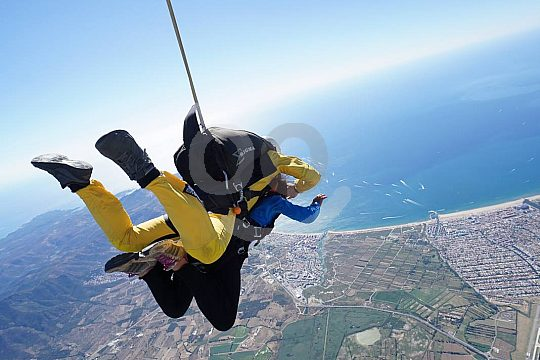 Skydiving an der Costa Brava