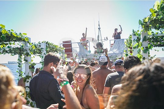 die Bootsparty in Ibiza Stadt