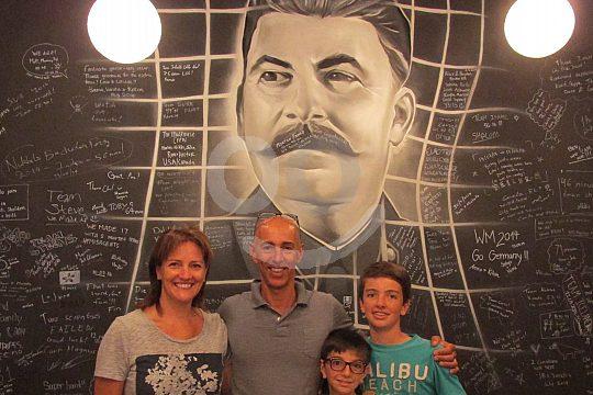 Familie bei der City Room Escape Challenge in Mallorca