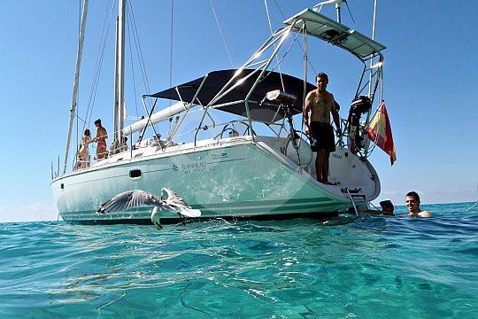 Schwimmpause auf dem Segeltörn Mallorca