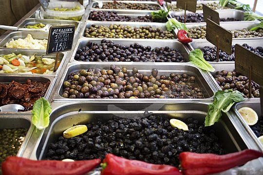 Oliven bei Verkostung während Stadtführung
