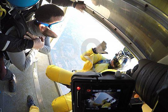 Absprung zum Fallschirmspringen in Empuriabrava