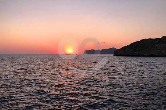 Sonnenuntergang in Mallorca auf dem Meer sehen