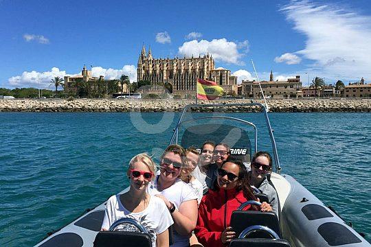 Die Kathedrale in Palma von der Wasserseite aus