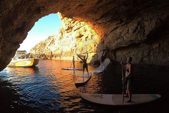 Mit dem SUP in der Höhle