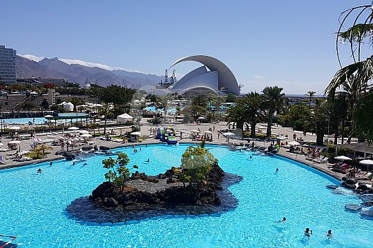 Schwimmbad und Auditorium Tagestour nach Teneriffa