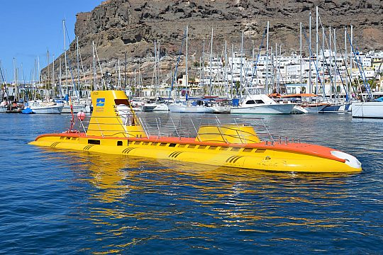"das U-Boot ""Goldener Shark"""