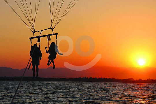 VIP Parasailing im Sonnenuntergang