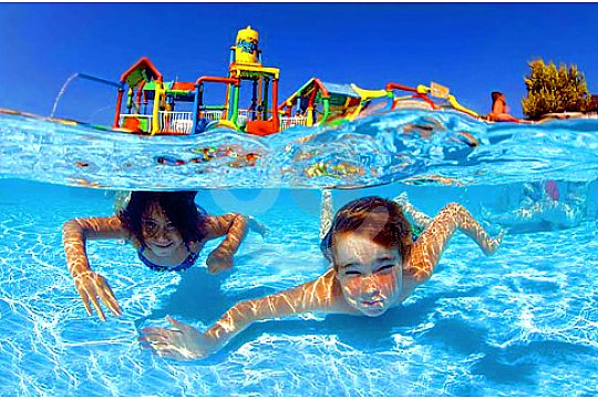 kinder im Wasserpark Magaluf