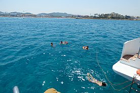 Katamaran Gandia mit Schwimmen