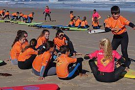Surfkurse ab 6 Jahren in Comilla und San Vicente de la Barquera
