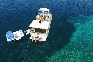 Ganztägiger Bootsausflug auf Sardinien