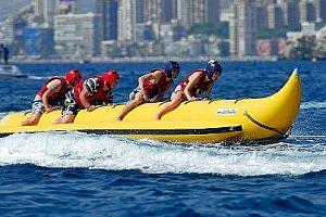Ein unvergessliches Erlebnis an der Costa Blanca: Bananaboot fahren in Benidorm