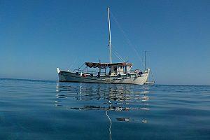 Bootstour im traditionellen Boot ab Plimmiri