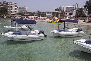 Führerscheinfreies Boot auf Ibiza