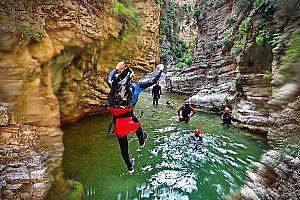Abenteuer Canyoning mit Wasserfall in der Kourtaliotiko Schlucht auf Kreta