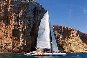 Katamaran Tour ab Dénia oder Jávea entlang der spektakulären Mittelmeerküste
