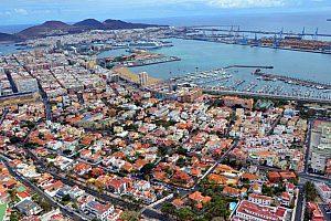 Blick auf den Hafen von Las Palmas bei der Bustour