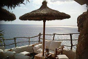Cova d´en Xoroi wird auf der herrlichen Inseltour Menorca besucht