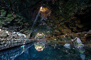Ausflug zu spektakulären Höhlen und zum Nationalpark Timanfaya auf Lanzarote