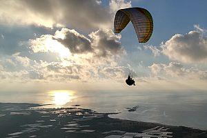 Paragliding auf Kreta Küste
