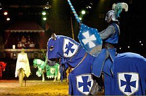 """Mittelalterliche Spiele bei der Show """"San Miguel"""" auf Teneriffa"""