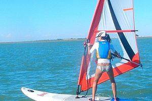 Windsurfen lernen in Sanlúcar de Barrameda: Windsurfkurs auf dem Guadalquivir