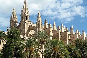 Sightseeing Tour in Palma de Mallorca mit Shopping, aus dem Norden und Osten