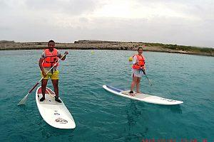 Surfboard Paddel auf Menorca