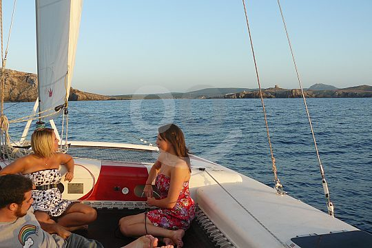 navegar a vela con catamarán