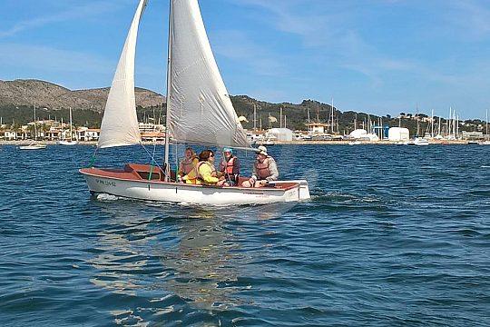 navega a vela ligera en Mallorca