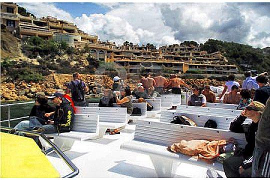 a-bordo-de-la-excursion-en-catamaran-mallorca