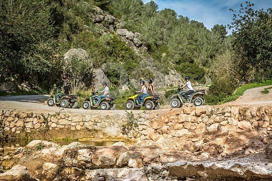 en la ruta en quad en Ibiza