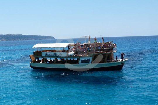 Mallorca fiesta a bordo de un barco