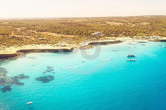 excursión en barco desde Ibiza a Espalmador