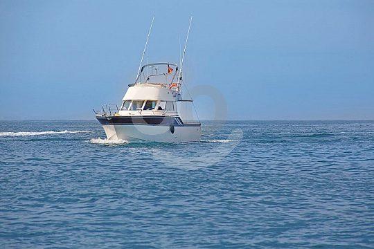 En el mar con un barco de alquiler