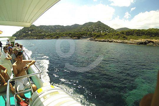 excursión en barco desde Cala Romántica