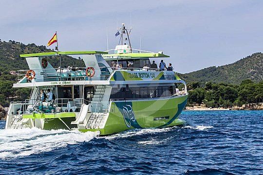 excursión en barco desde Cala Ratjada